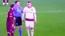 Roma-Milan Maçında Olay Hareket