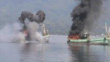 Kaçak Avlanan İki Balıkçı Teknesi Batırıldı