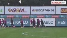 Galatasarayda Takımın Yarısı Gönderiliyor