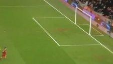 Liverpool Yılın En Komik Golünü Attı