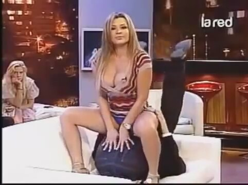 Sexy mom nackiche muchie