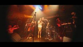 Esin Iris Feat. Koray Candemir - Senin Şarkın