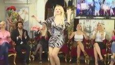 Kedicik Beyza Bayraktar Mini Elbiseyle Dans Şov Yaptı