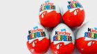 Kinder Sürpriz Yumurtalar, Sürpriz Oyuncaklar ve Oyuncak Arabalar!