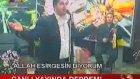 Deprem Esnasında Şarkıcıya İstek Şarkı Göndermek