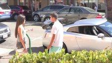 16 yaşında Nissan GT-R ile kız tavlamak