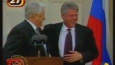 Clinton ve Yeltsin'in Çılgınca Gülüşmeleri