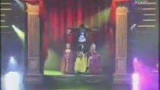 Arjantin'de Tarkan'lı Kukla Show