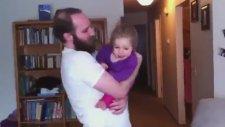 Babasının Sakalsız Halini İlk Kez Gören Bebek Tepkisi