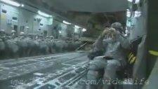 Kargo Uçağından Paraşütle Hummer İndirmek