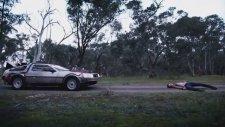 Back to the Whoture (DeLorean ve Tardis İçerir)