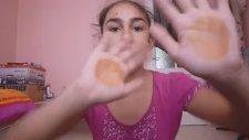 Çantamda Ne Var Videosu Çeken Pasif Kız