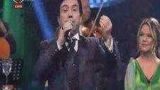 Mehmet Şafak - Şarkılar Seni Söyler Dillerde Nağme Adın