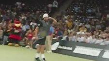 Andy Roddick'in Sharapova Taklidi