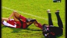 Mondragon'un Olympiakos Maçındaki Kafası (2003)