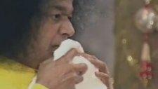 Ağzından Altın Yumurta çıkaran Hintli Gavs - Sai Baba