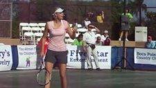 Maria Sharapova'nın Andy Roddick Taklidi