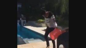 Kim Kardashian Ice Bucket Challenge