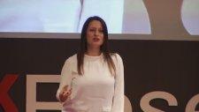 Şafak Pavey - Yeniden Yollara (TedX)
