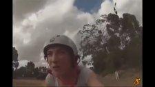 Bisikletli Kıza Saldıran Psikopat Karga
