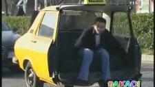 Şakacı - İkiye Bölünen Taksi Şakası