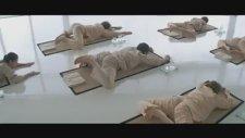 Dünyanın En Küçük Yoga Öğretmeni