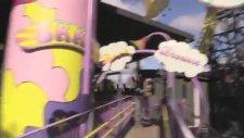Roller Coaster'e Binerken Kola İçip Bişeyler Yemeye Çalışmak