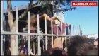 Rus Kadının Şortu Demirlere Takıldı, Taraftarlar Çıldırdı