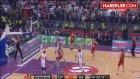 Kızılyıldız-Galatasaray Maçındaki Şarkı, Atmosferi Gerdi