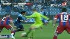 Manuel Neuer Kendisine Özgü Hareketi Yine Yaptı!