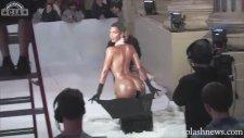 Kim Kardashian Kar Küreme Makinesi