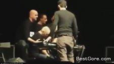 İtalyan Şarkıcı Giuseppe Mangonun Sahnede Ani Kalp Durması