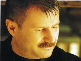 Azer Bülbül - Sevmiştim Sevdanın Çok Ötesinde - azer-bulbul-sevmistim-sevdanin-cok-otesinde_8106158-4271_600x315