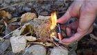 Tek Bir Pil ve Sakız Kağıdı ile Kolayca Ateş Nasıl Yakılır?