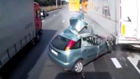 Trafikte Makas Atarken Feci Kaza Yaptı