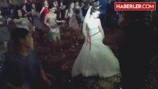 Azeri Gelin, Kendi Düğününde Olduğunu Unuttu