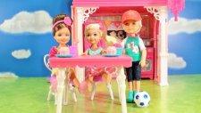 Barbie - Chelseanin Kulüp Evi - EvcilikTV Oyuncak Oyunları