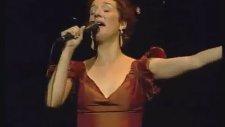 Dulce Pontes Laurindinha live Istambul.