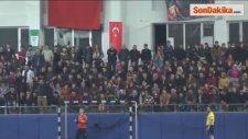 Bakan Çelik, Ardeşen Gençlik ve Spor Kulübü-Muratpaşa Belediyesi Maçını İzledi
