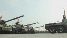 Çelimsiz Kuzey Kore Askeri Geçidi