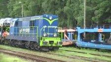 Araba Taşıyan Çok Vagonlu Tren