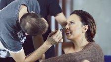 Ebru Gündeş Makyajı Nasıl Yapılır?