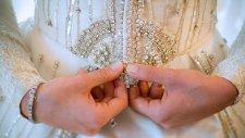 Tanju Babacandan Düğün.com Takipçilerine Gelinlik Önerileri | Düğün.com