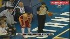 Fenerbahçeli Basketbolcu Hocasına Kızdı, Uçağa Binmedi