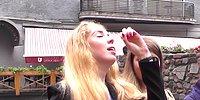Rusya'da Yoldan Geçen Bayanlara İlginç Şaka