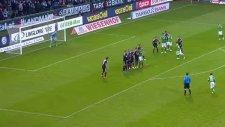 Bremenli oyuncudan muhteşem frikik golü