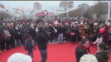 Beylikdüzünde14 Şubat Sevgililer Günü Sokak Partisi İle  Eğlenceye Doyuldu