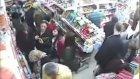 Sapık Adam Markette Kapalı Kadını Taciz Ediyor