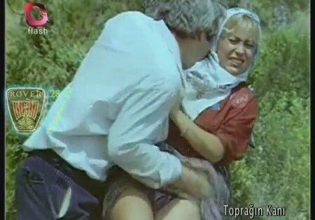 Zavallı kıza kamera önünde zorla tecavüz eden abisi