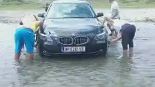 Derede BMW Yıkamak